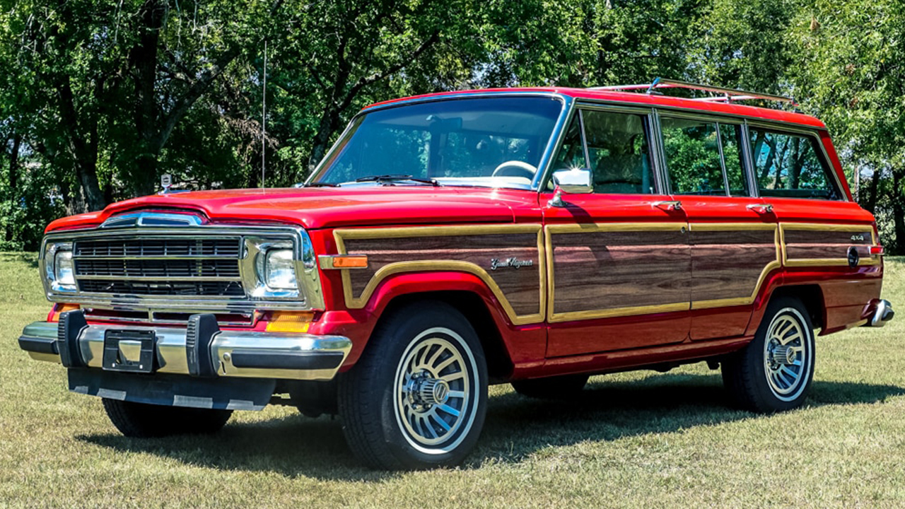 You Want To See This 707-HP Hellcat-Powered Jeep Grand Wagoneer
