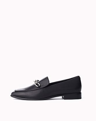 The Aslen Loafer in Black.