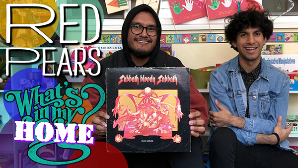 The Red Pears What''s In My Bag? [Home Edition]