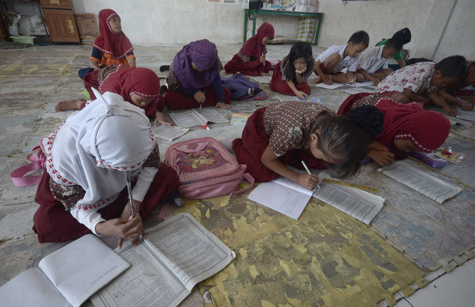 Elementary school students in Makassar, South Sulawesi. (Antara Photo/Dewi Fajriani)