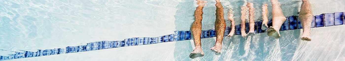 Pool feet (483809111, Thomas Barwick)