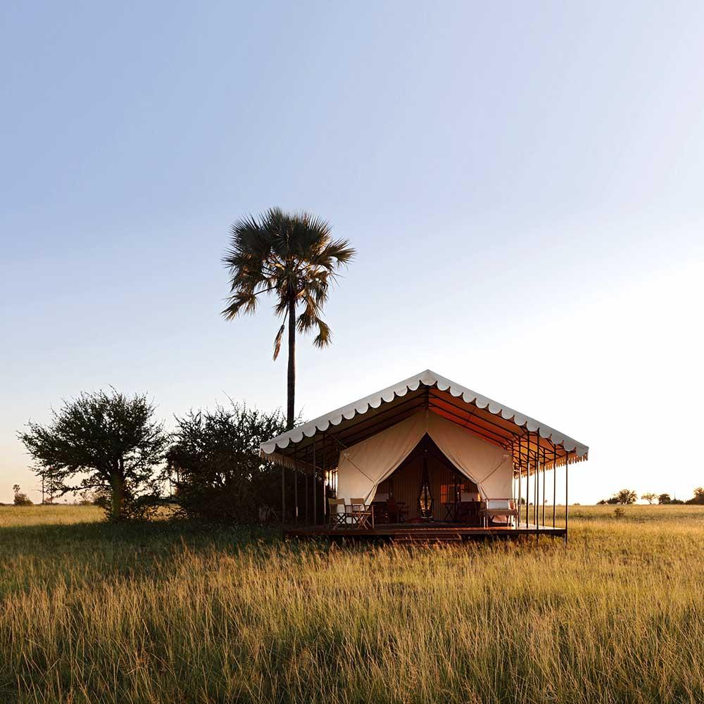 20 Luxury Safari Lodges & Camps