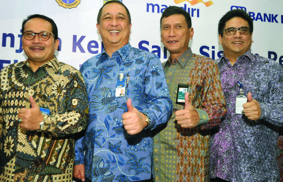 Royke Tumilaar, second left, Bank Mandiri's new chief executive. (Antara Photo/Audy Alwi)