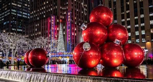 New Year''s Eve fireworks over Manhattan