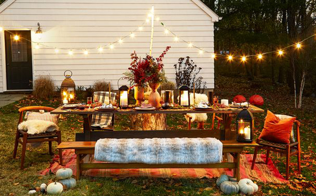 HOW TO HOST AN OUTDOOR THANKSGIVING!