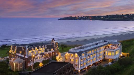 Newport Beach Hotel & Suites exterior
