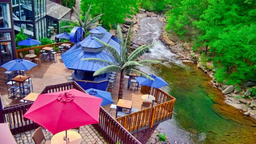 The Woodlands Wilkes Barre Deck on river