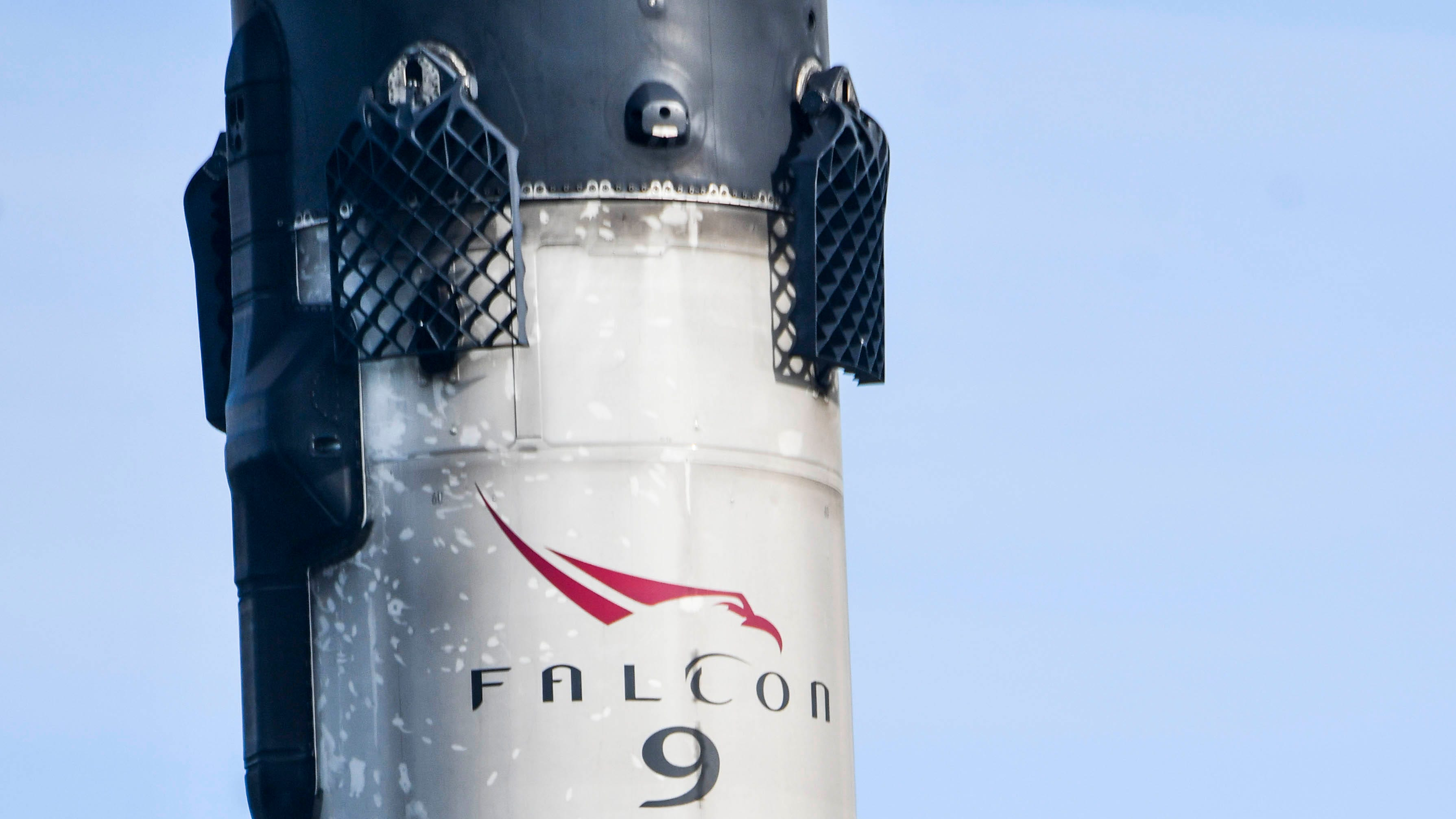 SpaceX Falcon 9 booster B1060.2 returns to Port Ca