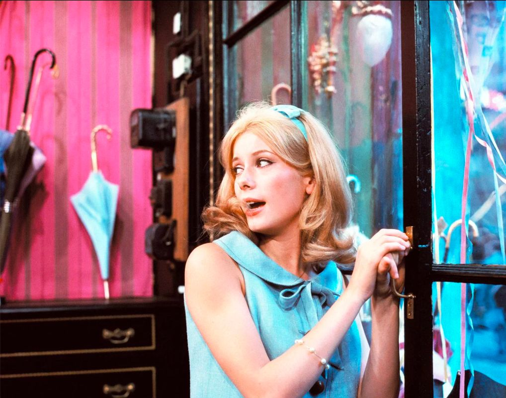 THE-UMBRELLAS-OF-CHERBOURG-BANNER