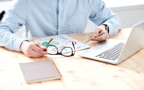 A Beginner's Guide to VLOOKUP vs Pivot Tables
