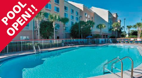 Comfort Inn & Suites Orlando outside pool