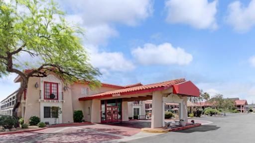Days Inn By Wyndham Tucson City Center exterior