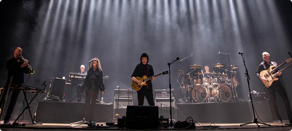 Steve Hackett Genesis Revisited: Seconds Out & More