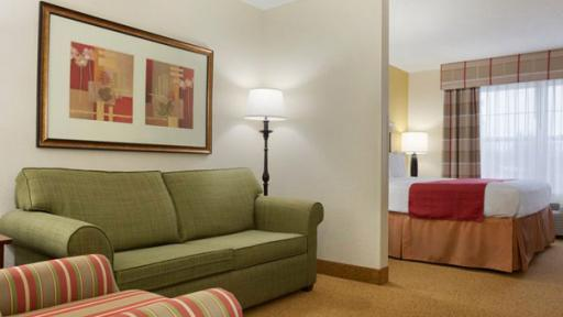 Country Inn & Suites By Radisson, Georgetown Suite