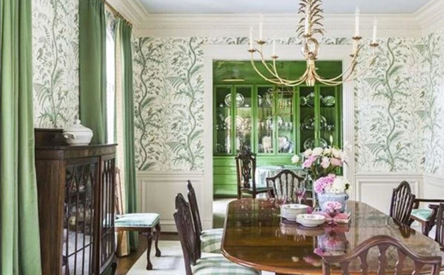 GORGEOUS GREEN DINING ROOM