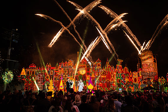 The Wonderful World of Disney: Magical Holiday Celebration!
