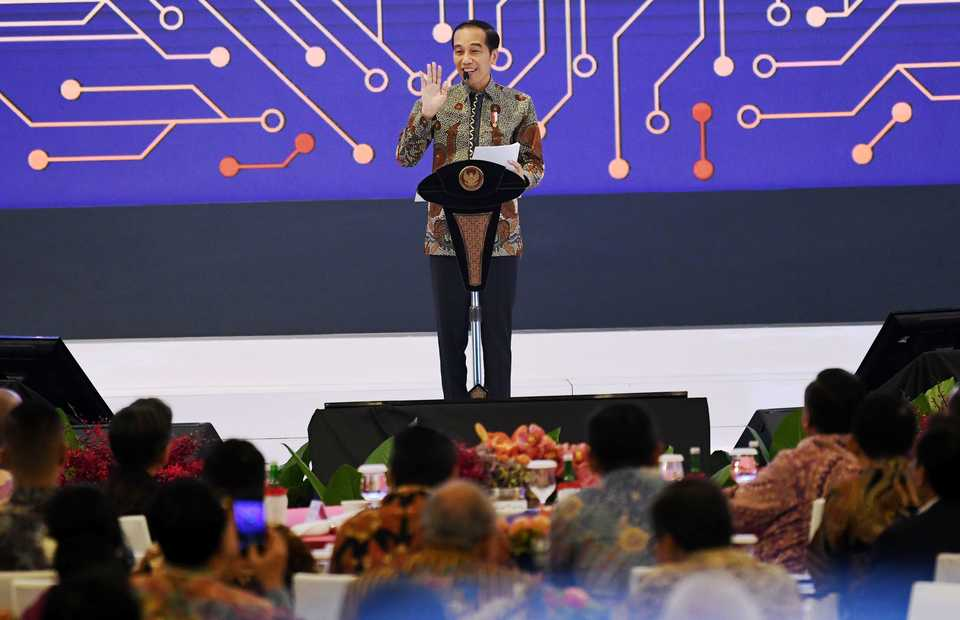 President Joko Widodo delivers a speech at the Bank Indonesia annual meeting in Jakarta on Thursday. (Antara Photo/Aditya Pradana Putra)