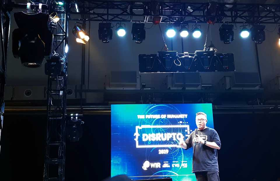 WIR Group chairman Daniel Surya delivers the opening  speech in the 2019 Disrupto Festival in Jakarta on Friday. (JG Photo/Diana Mariska)