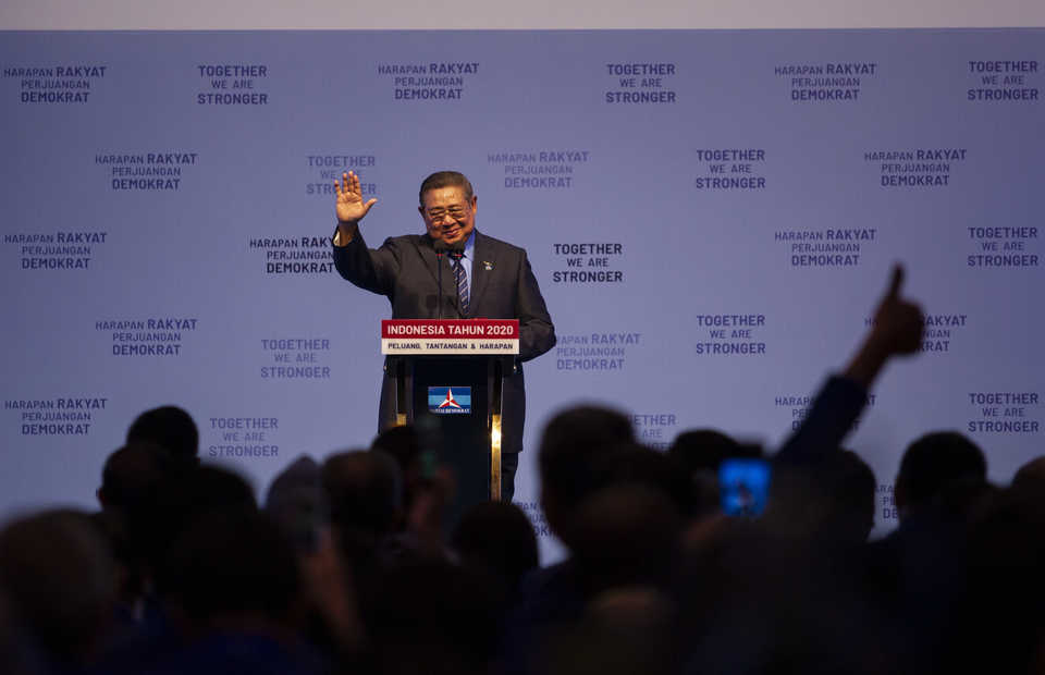 Democratic Party Chairman Susilo Bambang Yudhoyono delivers a speech during the party's gathering at the Jakarta Convention Center on Wednesday. (Antara Photo/Dhemas Reviyanto)