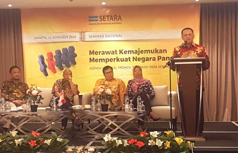 People's Consultative Assembly speaker Bambang Soesatyo delivers the keynote speech at the 'Maintaining Diversity, Strengthening the Pancasila State' seminar at Setara Institute in Jakarta on Monday. (JG Photo/Nur Yasmin)
