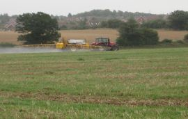 France confirms pesticide buffer of up to 20 metres