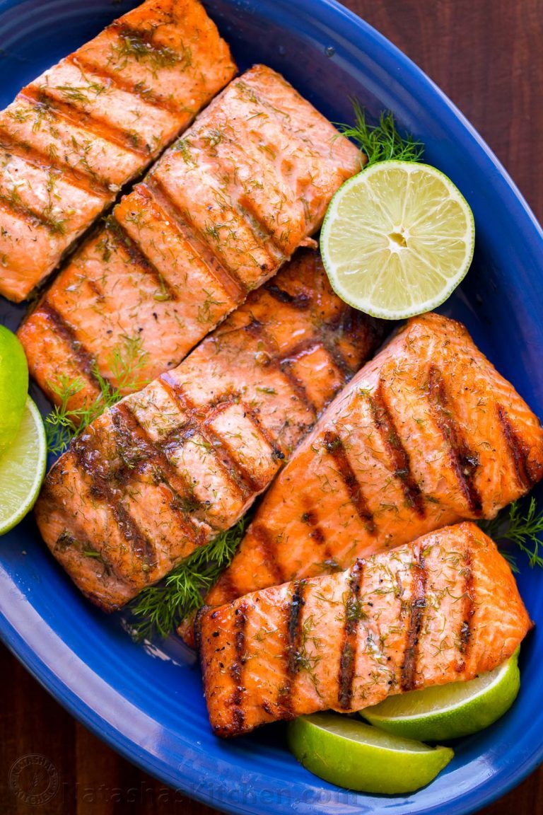 Grilled-Salmon-with-Garlic-Lime-Butter-5-768x1152