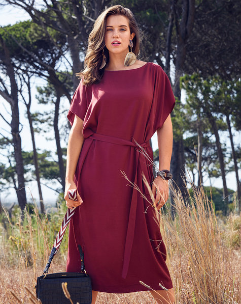 Bateau Neckline Dress (Plus Size)