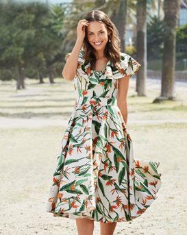 Retro Ruffled Neckline Dress