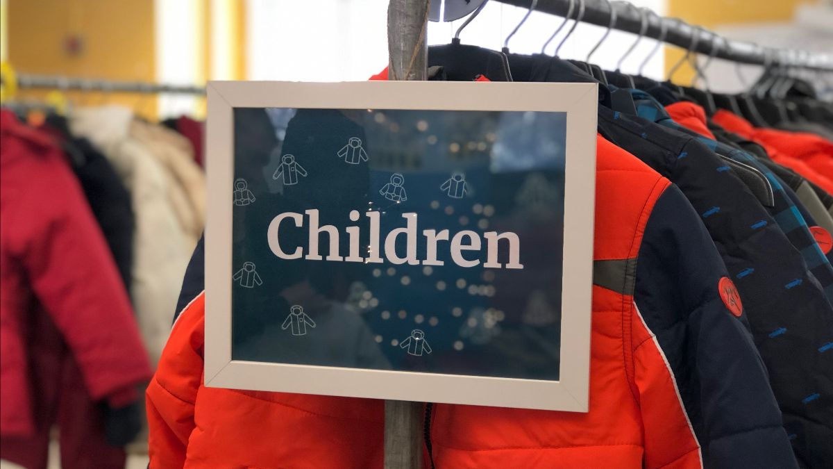 Sign for children's coats