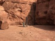 Tajemniczy metalowy monolit pojawił się na odległej pustyni w stanie Utah