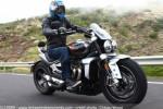 Essai comparatif motos Triumph Rocket 3 R et GT