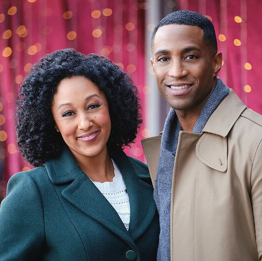 "Tamera Mowry-Housley Returns to Acting in Hallmark's ""A Christmas Miracle"""