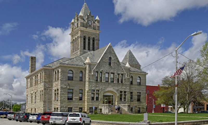 Pulaski-County-Courthouse-header-credit-Lee-Lewellen-800x481.jpg