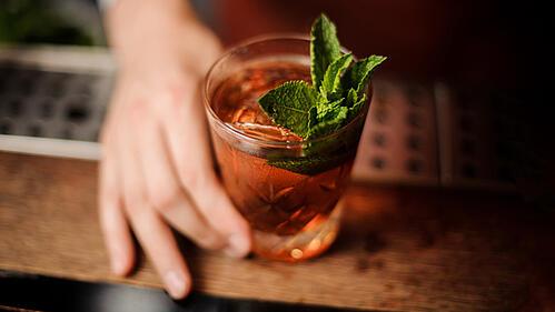 6 Ways to Upsell at the Bar